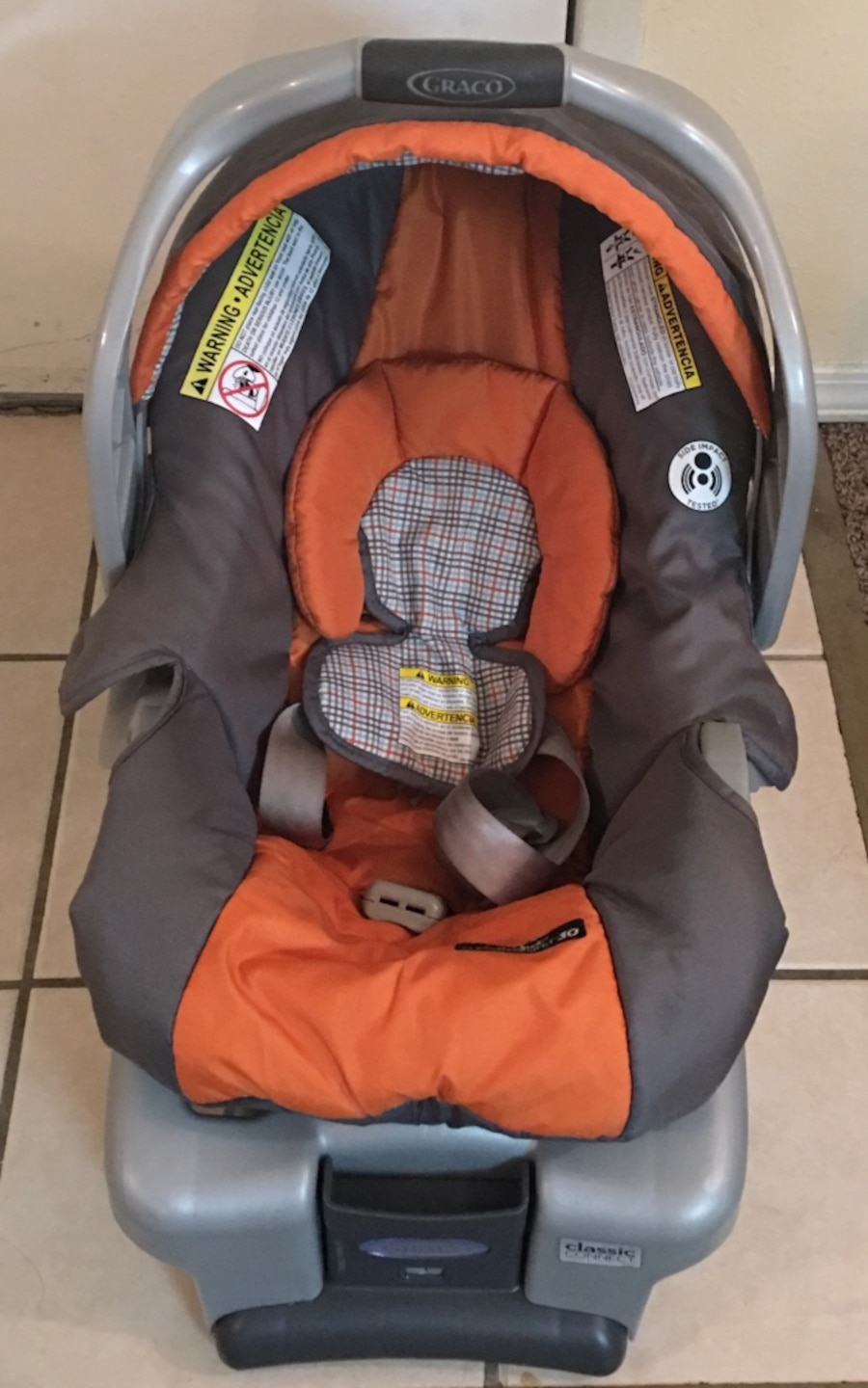 used baby 39 s gray and orange graco car seat carrier in birmingham. Black Bedroom Furniture Sets. Home Design Ideas
