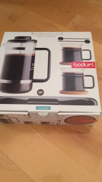 Brand new Espresso holiday set. Great holiday gift! 780 km