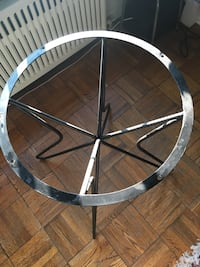 Round Kitchen table / metal table legs Toronto, M4G