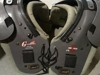Football shoulder pads Fincastle, 24090