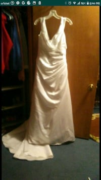 Brand new wedding dress with tag still attached Denver