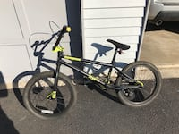 Mongoose Freestyle Bike Sterling, 20164