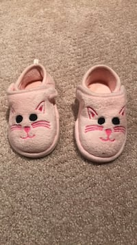 cat slippers  toddler size 5-6 pink