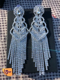 Rhinestone fancy holiday earrings Reston, 20190