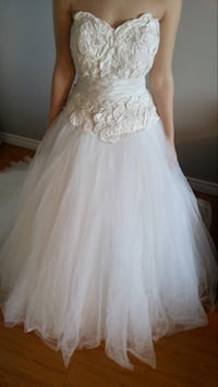 women's gray lace wedding dress Kitchener, N2E 3L7