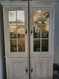 white wooden framed glass display cabinet Mogadore, 44260