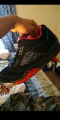 pair of black-and-red running shoes Tallahassee, 32312