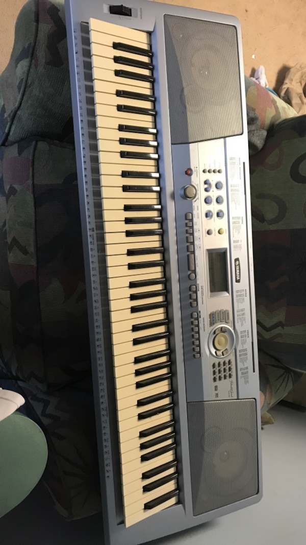 used yamaha dgx 202 portable keyboard for sale in cheshire letgo. Black Bedroom Furniture Sets. Home Design Ideas