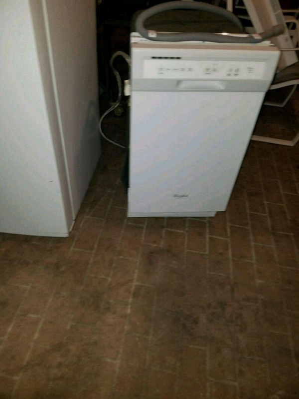 whirlpool dishwasher 19 inches wide