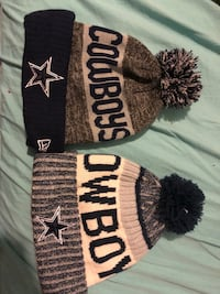 two black and white knit caps Red Oak, 75154