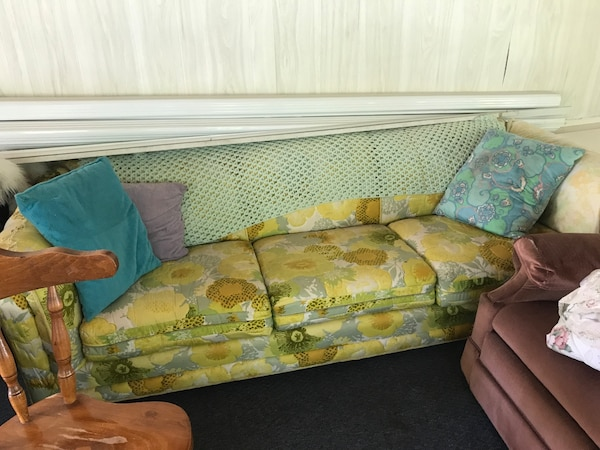 Free Sofa Very Comfortable Non Smoking Home Pick Up Only No Delivery