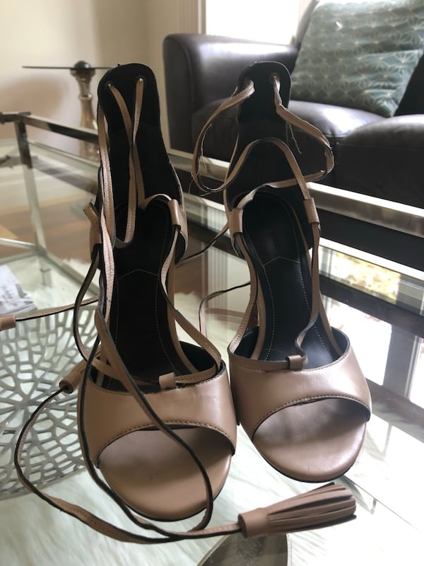 Kendall and Kylie Mira Sandal with leather tassels 27023f07-33ad-4e5c-83f6-a81bccfb34a0