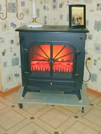 Electric heater. New! black sitting on a stand Lebanon, 37090
