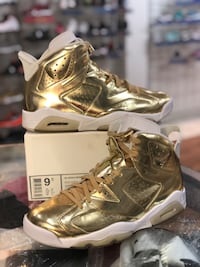 Gold pinnacle 6s size 9.5