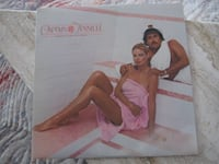 Captain &Tennille – keeping our Love Warm – 1980 Casablanca Records &  Film Works Inc  TORONTO