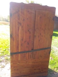 Cedar armoire needs new finish  Vicksburg, 49097
