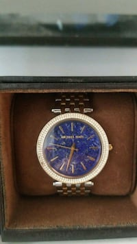round gold-colored chronograph watch with link bracelet Bronx, 10461