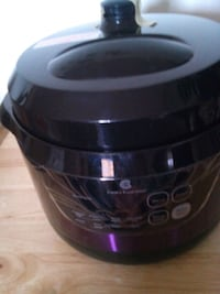 Electric 2qt pressure cooker black and purple bran District Heights, 20747