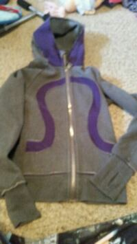 gray and purple zip-up hoodie 2673 km