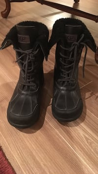 Black UGG Winter Boots Size 6 - great condition  Saint-Lazare, J7T