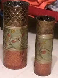 two brown-and-green ceramic vases El Paso, 79930