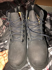 Black timberland boots size 4. Windsor Mill, 21244