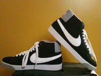 pair of black-and-white Nike sneakers Montgomery Village, 20886