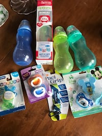Baby's assorted feeding bottles with pacifiers Methuen, 01844