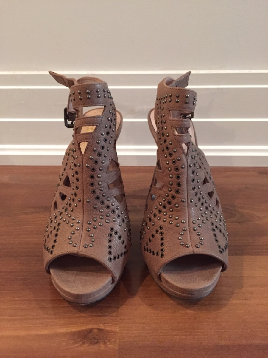 Vince Camuto high heels, size 6 - Port Cartier