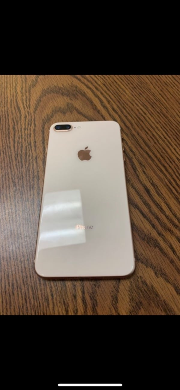 iPhone 8plus 5220bfe0-cb41-4413-b784-34ee631d84eb