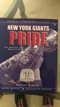 NY Giants pride book Freehold, 07728