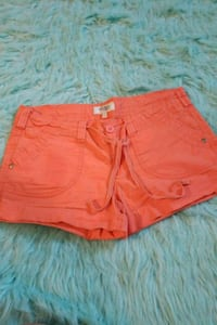 Charlotte Russe shorts size 6 Erie, 16508