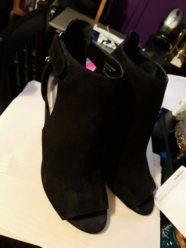 Guess booties size 9