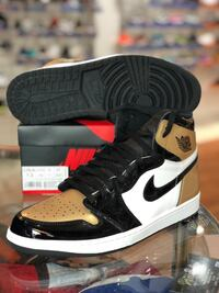 Brand new Gold toe 1s size 12