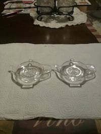 two clear glass candle holders Central Falls, 02863