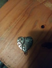 silver-colored heart pendant Everett, 98208