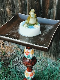 frog bird bath Ontario, 91764