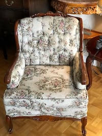 Single seater French Provincial style chair Toronto, M2J