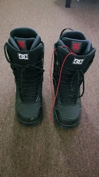 Brand new DC snowboard boots 10.5