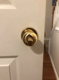Doorknobs (locking and non-locking) Greer, 29651