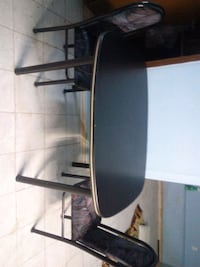 Table with 2 chairs like new about 4.75 in length$ Toronto, M6E 3N4