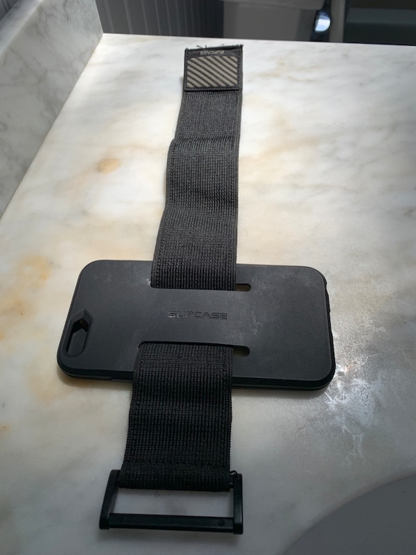 iPhone 6s fitness arm band  06a60477-818d-4c96-bea6-e68d0f51b38c