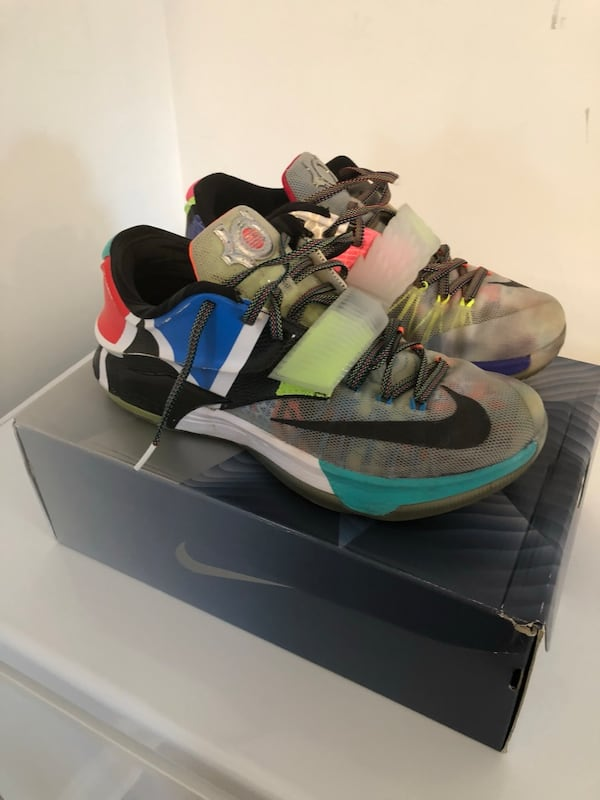 """KD 7 Limited Edition """"what the"""" size 10 fd0cb819-158c-46fd-8720-375b8ba2ac37"""