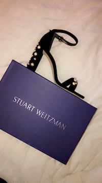 Stuart Weitzman brand new More pearls shows Toronto, M5V