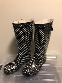 Rain Boots Size 7 Silver Spring