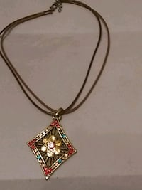 gold and red gemstone pendant necklace Newburgh, 47630