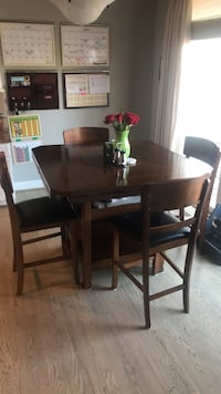 Bar height Table and 4 chairs Alexandria, 22312
