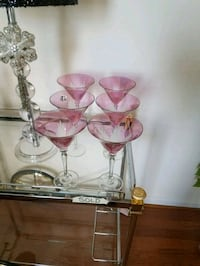 four clear glass candle holders Aldie, 20105