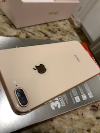 Rose Gold iPhone 8 Plus 64 GB. ATT network. New screen protector included 496 mi