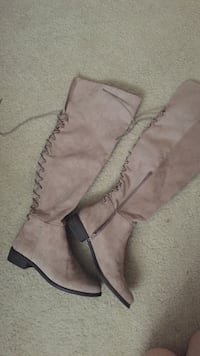 Women's brown suede boots size 10 Occoquan, 22192